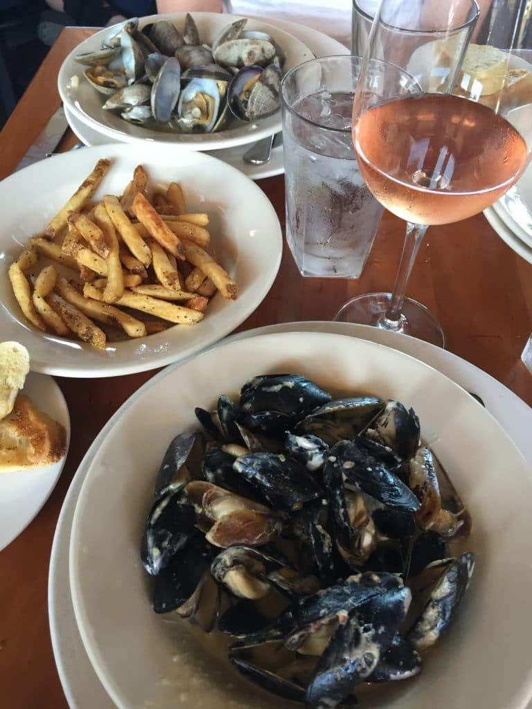 Mussels, Frittes, Clams and Rosé