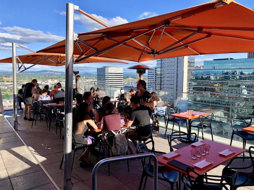 Alfresco Dining at 15 Stories!