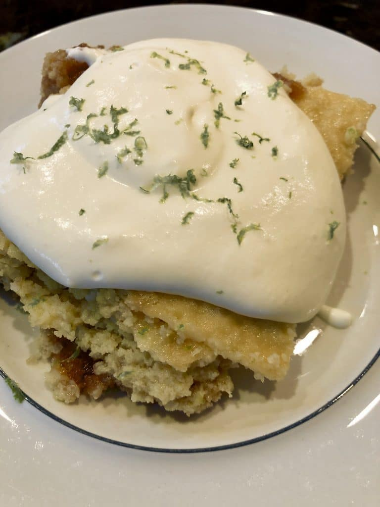 Key Lime Pie Bar with Schlagsahne