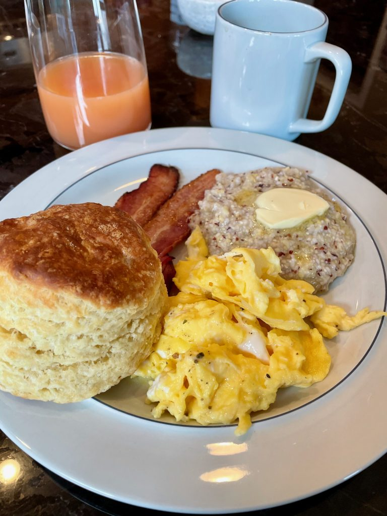 Eggs, Bacon, Biscuit and Grits
